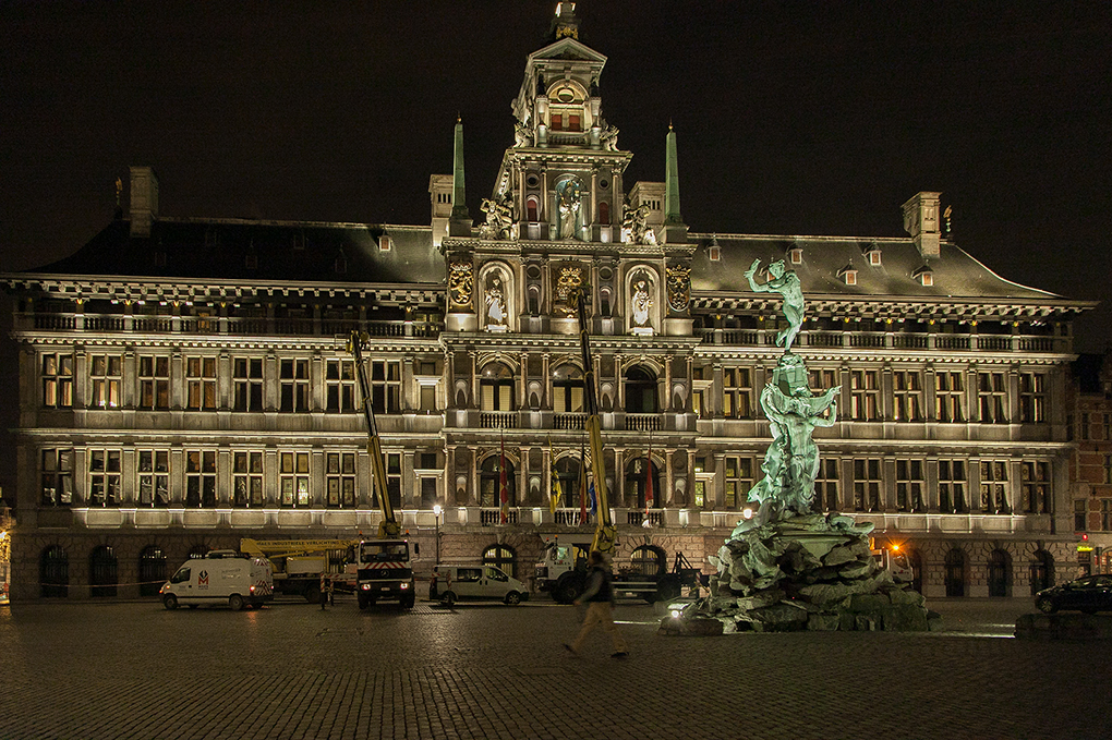 Licht op de Grote Markt - watch the VIDEO